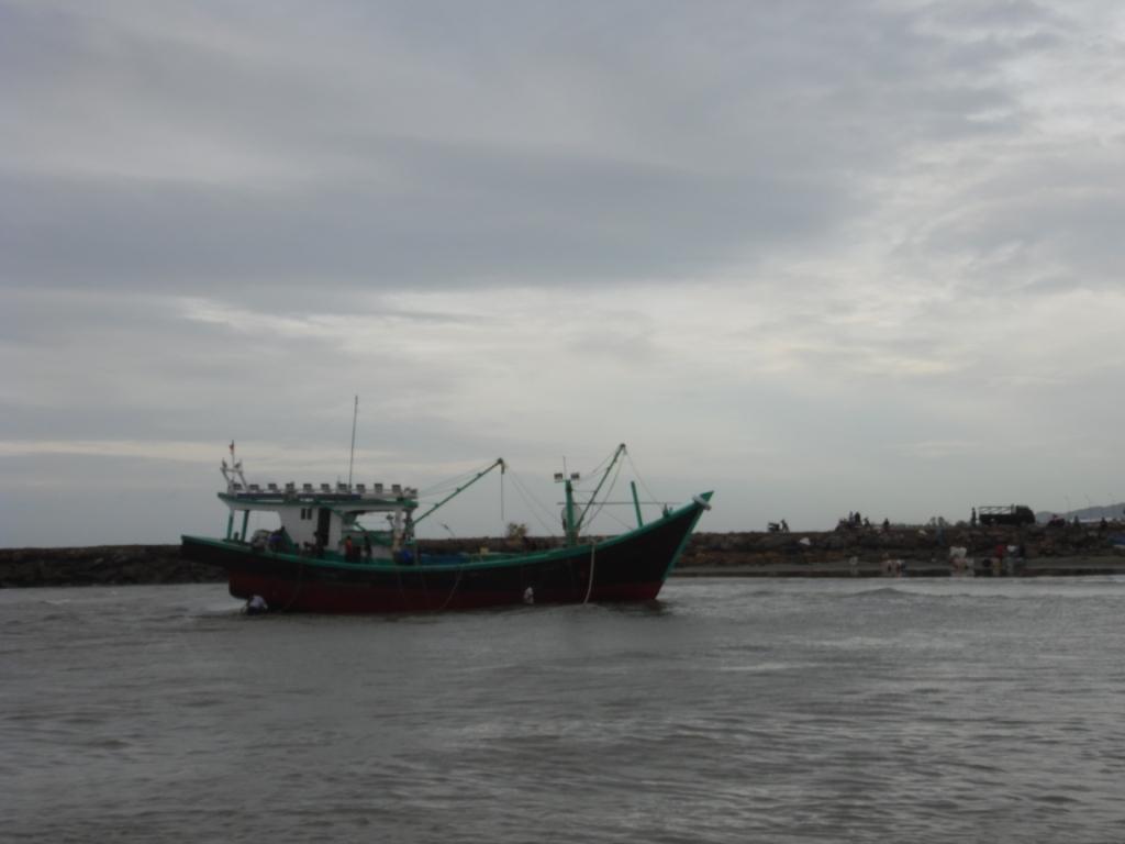 Foto | Kapal Warga Lampulo Kandas