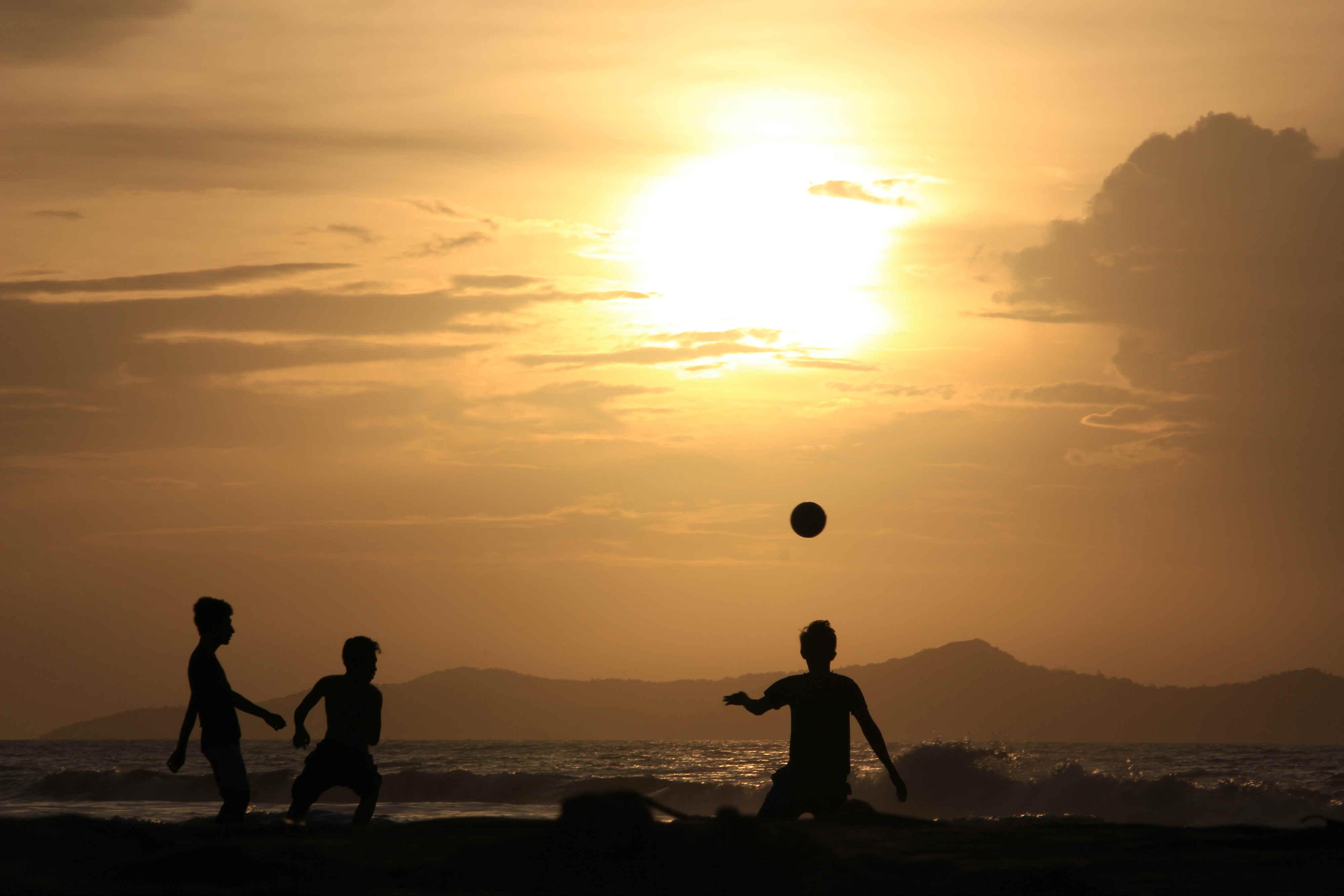 Foto | Menatap Ujung Pantai Alu Naga