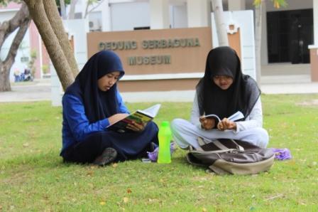 Beda Mahasiswa Ngekos dan Mahasiswa Tinggal di Rumah