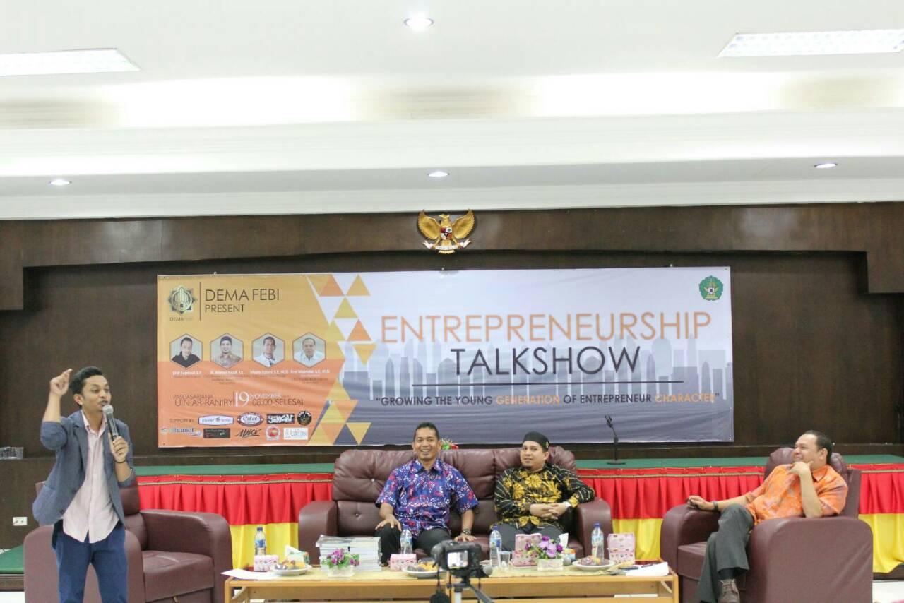 Tiga Pengusaha Bagi Pengalaman pada Talkshow Entrepreneur