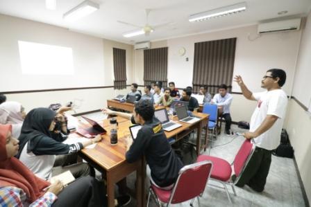 Wakil Rektor Buka Workshop Video Kreatif