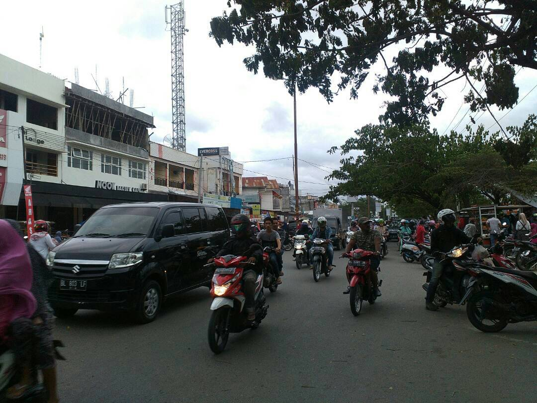 Kurangi Kemacetan, Polisi Atur Lalu Lintas Jelang Berbuka