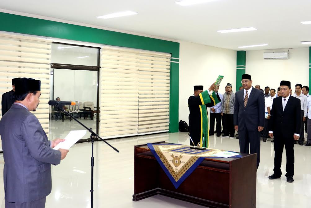 Rektor Lantik Syahrizal Abbas Sebagai Direktur PPS UIN Ar-Raniry