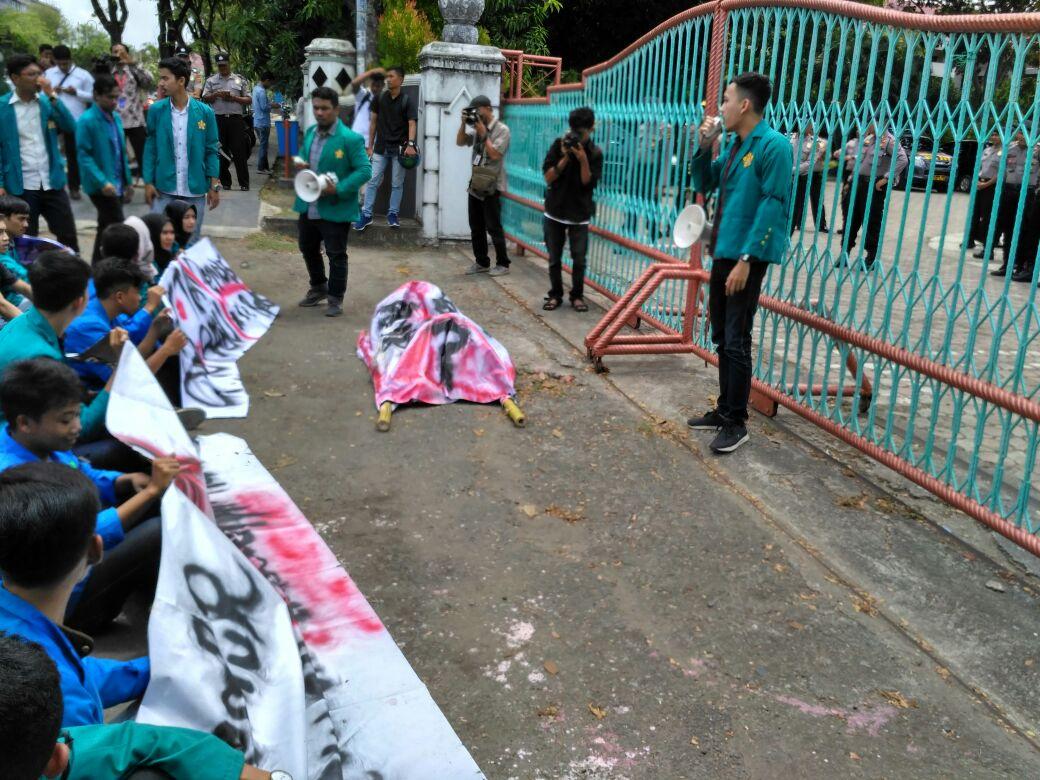 Mahasiswa Aceh Tolak UU MD3