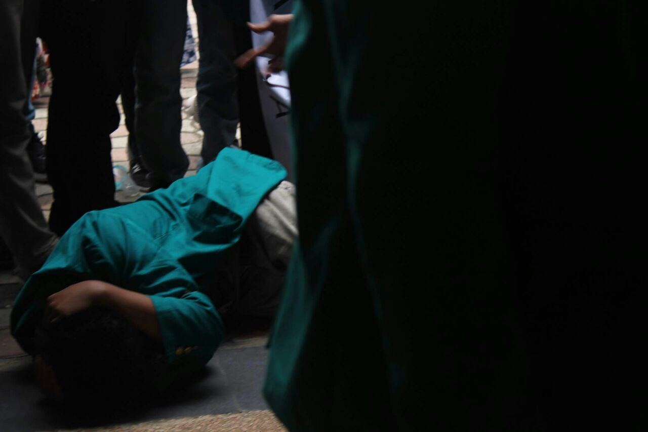Aksi Gempur Ricuh, Seorang Mahasiswa Dipukul