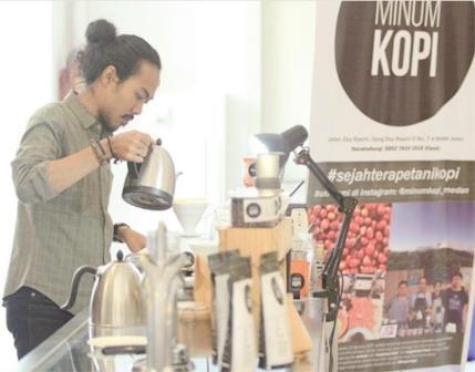 Fandy, Mahasiswa Sekaligus Manajer Cafe yang Menginspirasi
