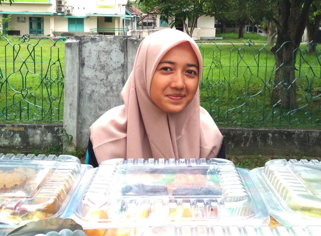 Nur Asma, Jualan Takjil Bantu Biaya Masuk Kuliah