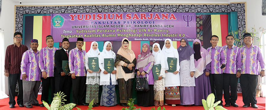 Psikologi UIN Yudisium Perdana, Muhammad Haikal Raih Predikat Istimewa 3,92