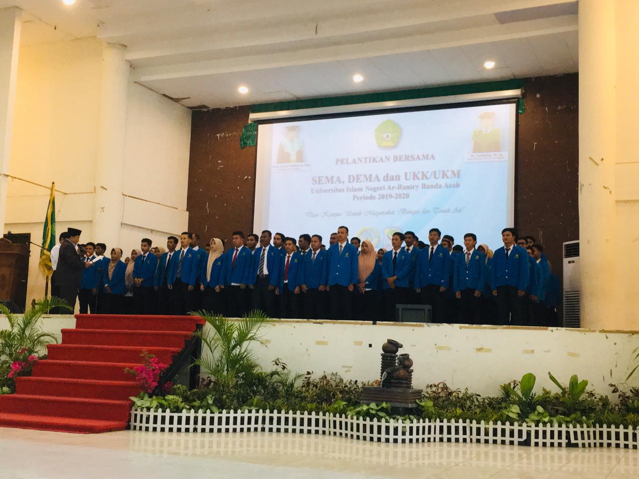 Rektor UIN Ar-Raniry Lantik Pengurus DEMA