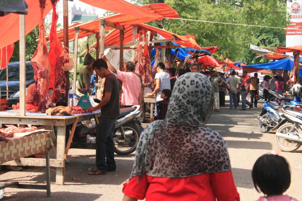 Sumberpost TV – Hari Pertama Meugang, Harga Daging di Banda Aceh Capai 150 Ribu