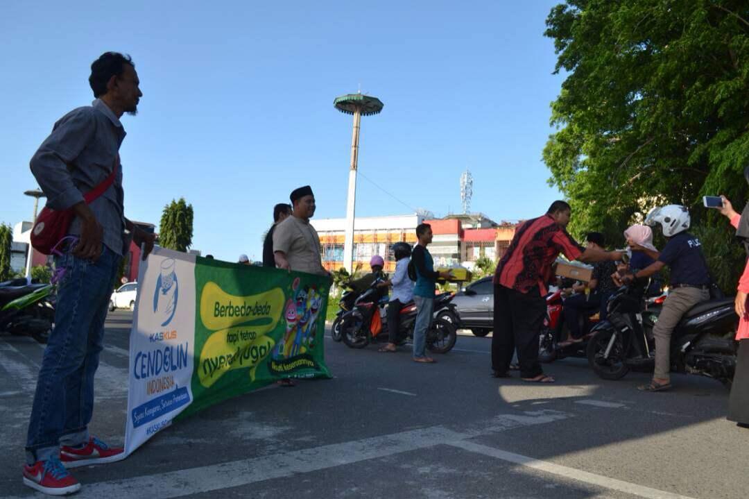 Sumberpost TV – Komunitas Kaskus Aceh Bagi Takjil Gratis